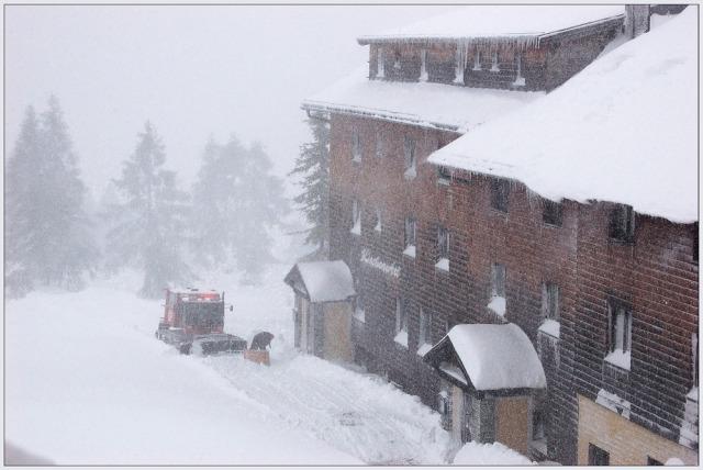 Sommerurlaub-im-Schnee-7-a30043763